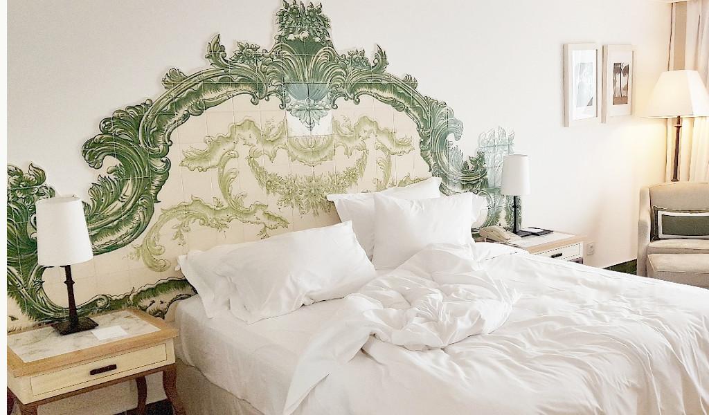 cama de un dormitorio en Pine Cliffs Resort del Algarve