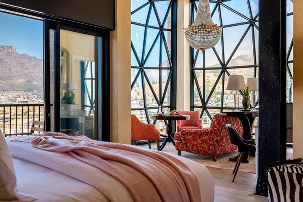 Dormitorio Piscina en Hotel The Silo en Cape Town