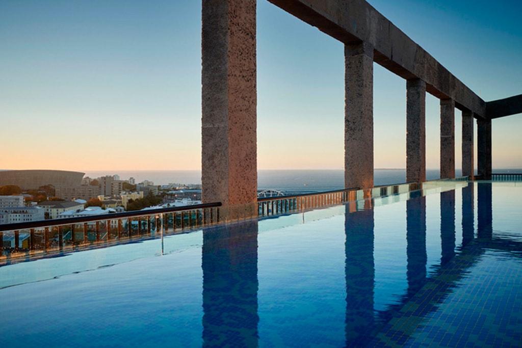 Piscina en Hotel The Silo en Cape Town