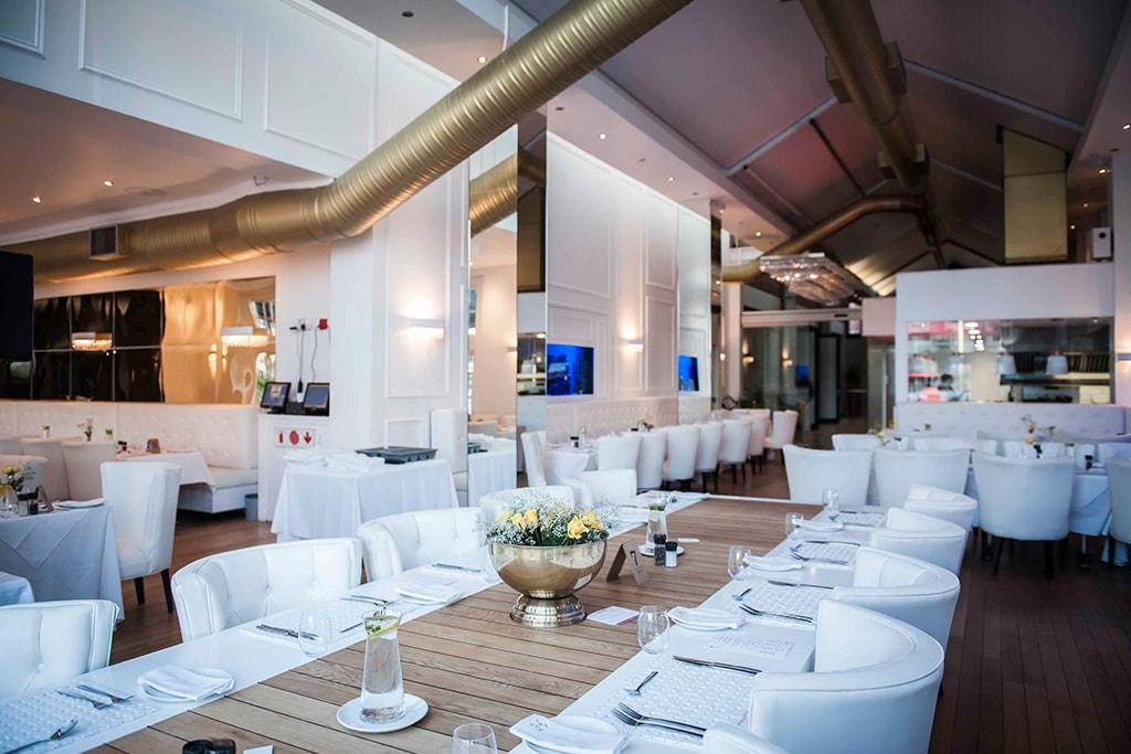 Interior del Restaurante Vista Marina en Cape Town