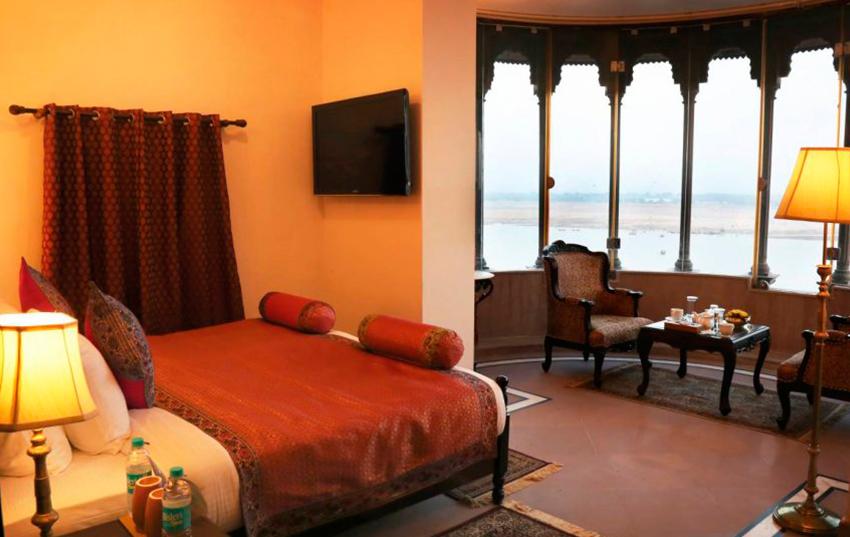 Hotel Brijrama dormitorio