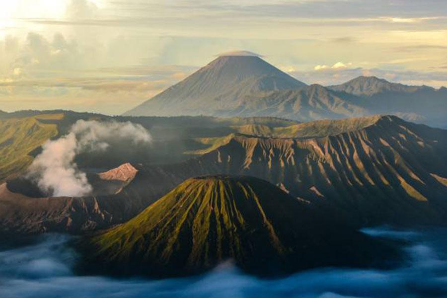 Destino montañas de Indonesia